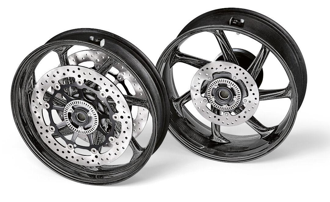 M Performance – Ruote in fibra di carbonio per la BMW S 1000 RR
