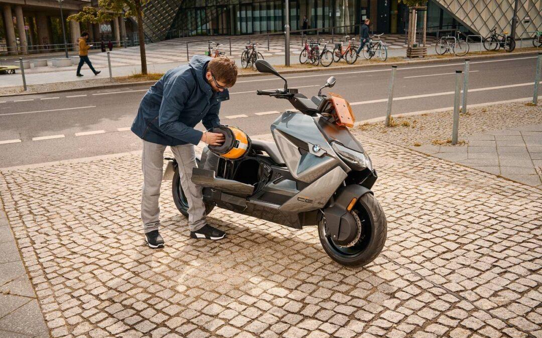BMW Motorrad – Il nuovo BMW CE 04