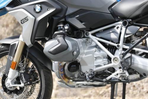 BMW-R-1250-GS-R-120-RT-Cosmic-006