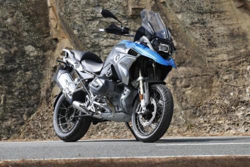 BMW-R-1250-GS-R-120-RT-Cosmic-015