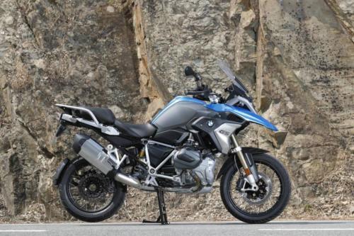 BMW-R-1250-GS-R-120-RT-Cosmic-016