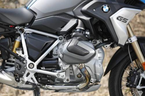 BMW-R-1250-GS-R-120-RT-Cosmic-018