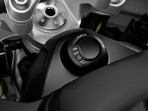 BMW-Motorrad-S1000XR-2020-img-0040