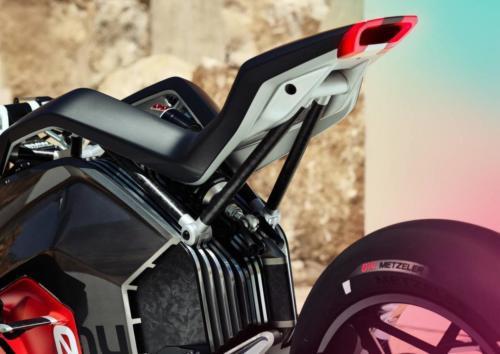 BMW-Motorrad-Vision-DC-Roadster-0010