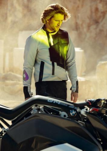 BMW-Motorrad-Vision-DC-Roadster-0015