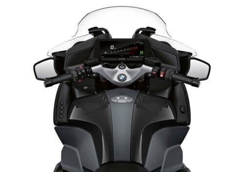 BMW-Motorrad-MY-2022-008