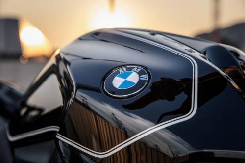 BMW-R-1200-R-Black-Edition-008